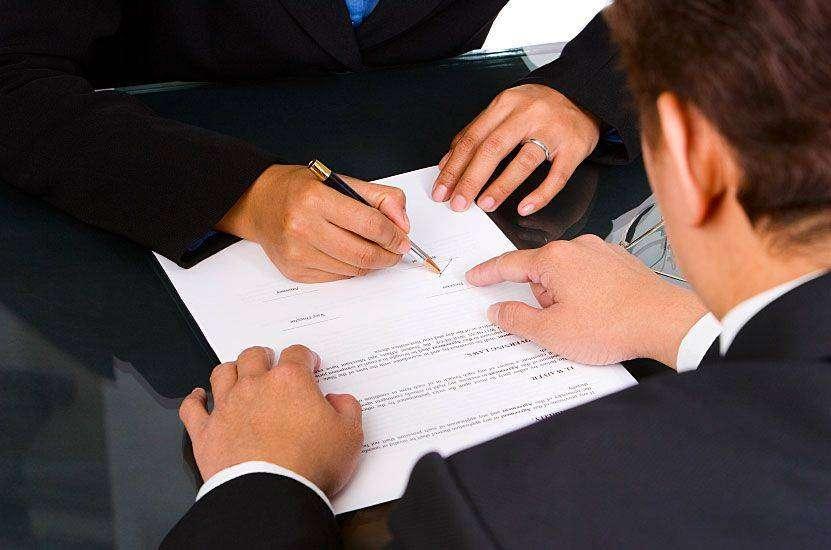 实务 公司发生合并,劳动者可以辞职并要求补偿吗?